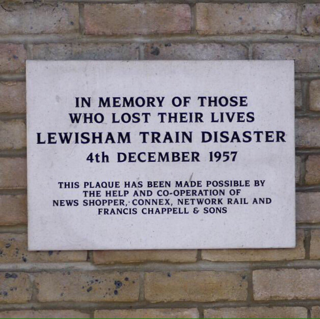 4.12.1957 In memory of the victims of the Lewisham rail crash when 2 commuter trains collided in heavy fog #OTD killing 90 people #RIP