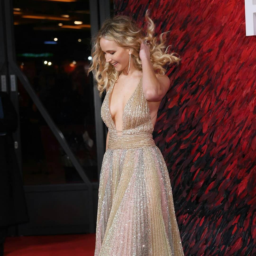 Jennifer Lawrence na premiere de Red Sparrow em Londres (2018). https://t.co/9lTXhz1Aba