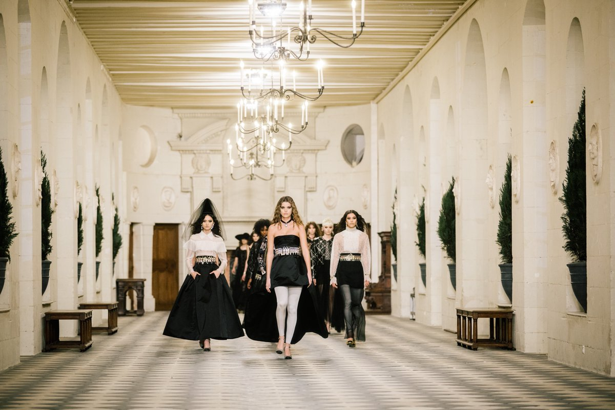 """""""I like everything to be mixed up, all the different eras, between the Renaissance & romanticism"""", said Virginie Viard about her inspiration for this show. 'Le Château des Dames', CHANEL 2020/21 Métiers d'art collection. #CHANELMetiersdart #CHANEL More at"""