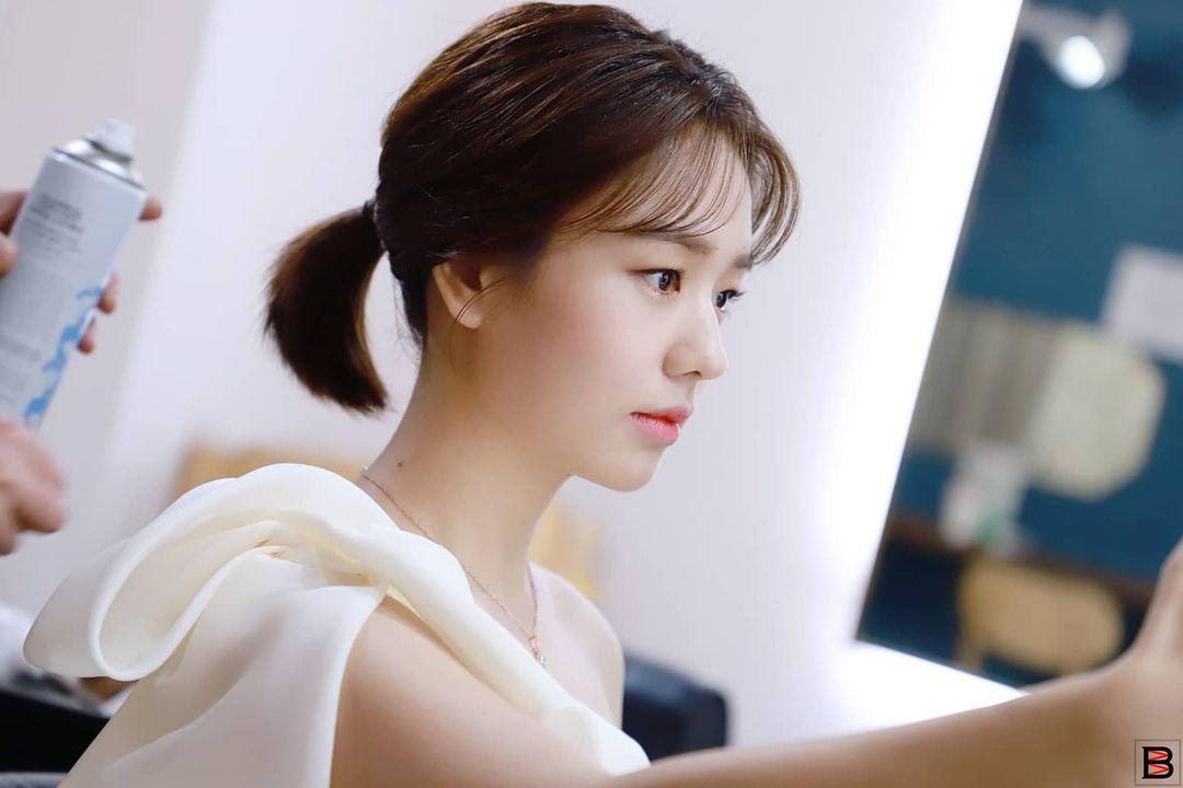 [NEW] 20201204 bigbossenter Big Bossenter posted Behin The Scenes Stills of Ahn Eun Jin at AAA 2020, she won the Focus Award in Actor Category. 🔗instagram.com/p/CIXmu1xMxam/…