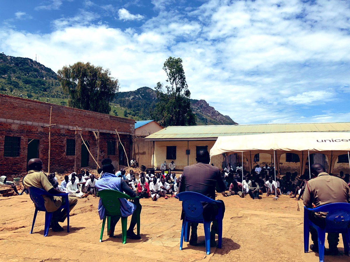 Next on our stop for International Human Rights day in Malawi 🇲🇼 was Dedza Prison. Amongst various topics of discussion was prison decongestion and an appeal for more non-custodial sentences and alternative justice options. #HumanRightsDay2020 #RecoverBetter #StandUp4HumanRights
