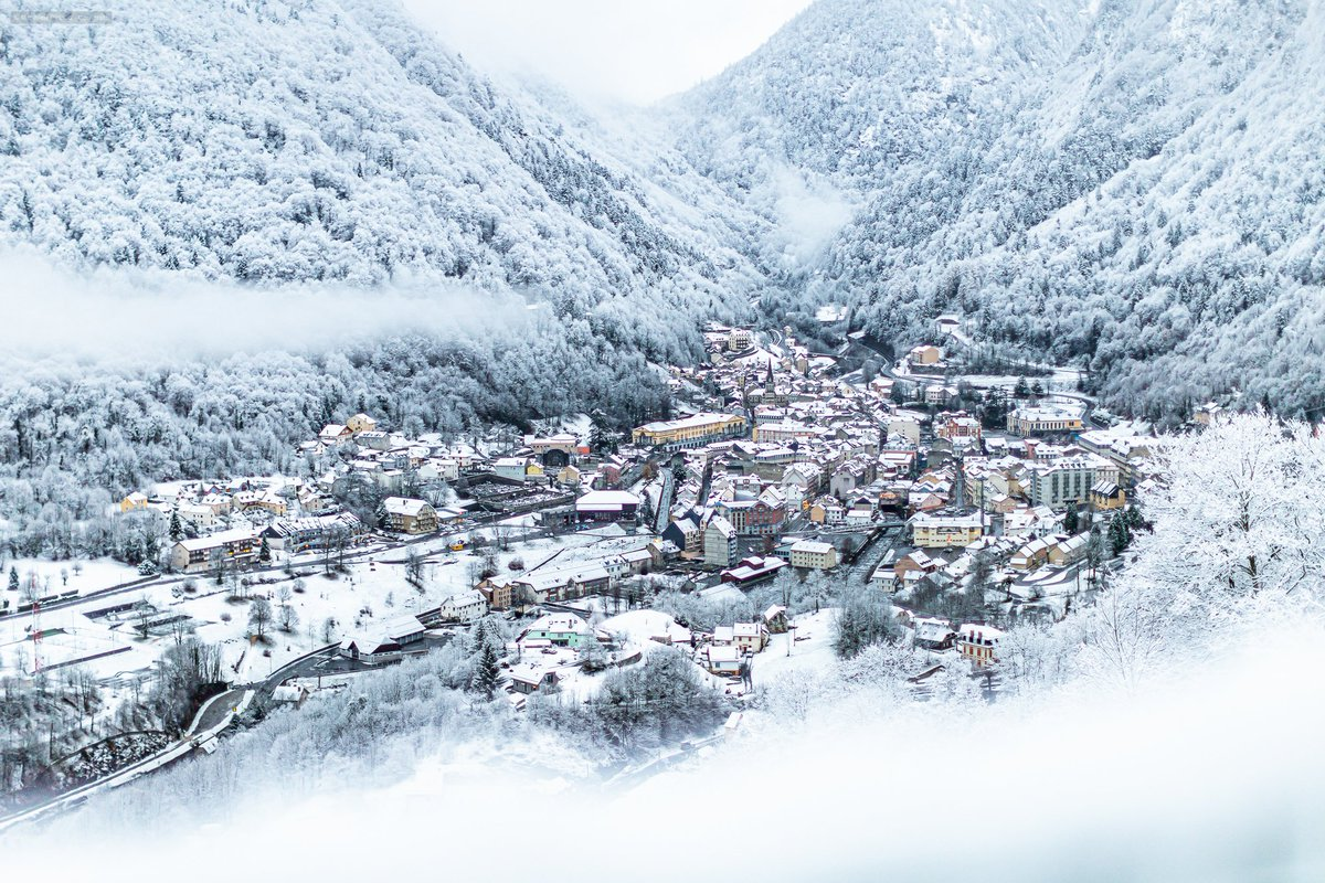 FABULOUS PHOTO! This morning in #Cauterets #Pyrenees