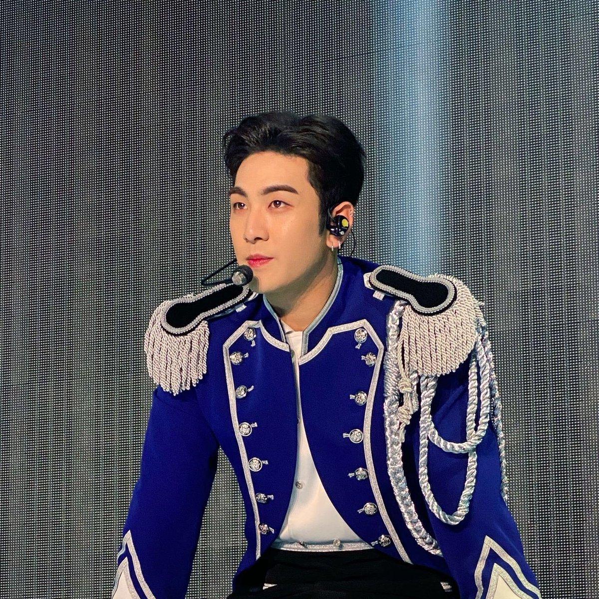 Royal Blue Baekho, Aewol prince🤴  #BAEKHO #백호 #강동호 #동호 #NUEST #뉴이스트 https://t.co/227tRZmRbk