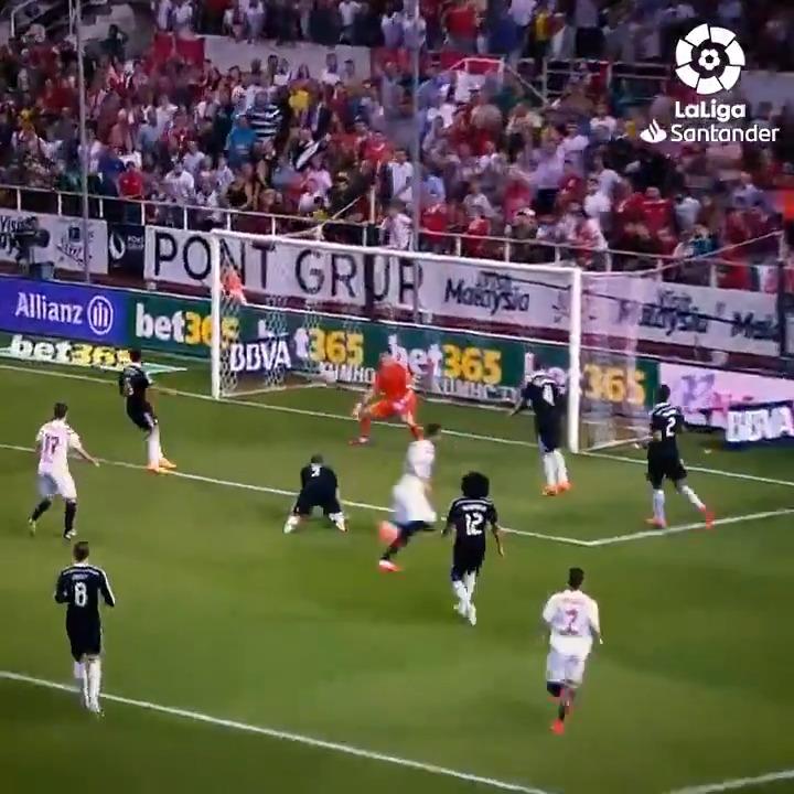 𝐄𝐍𝐓𝐄𝐑𝐓𝐀𝐈𝐍𝐌𝐄𝐍𝐓 𝐒𝐊𝐈𝐋𝐋𝐒  𝐆𝐎𝐀𝐋𝐒  🍿 This is #SevillaFCRealMadrid! 🍿  #LaLigaSantander
