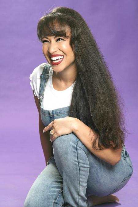 #SelenaNetflix I keep saying I'm going to go to bed but then another thought pops in my head. Okay, so there's this selena impersonator and I remember the family gave her shit, especially the AB's. She looks exactly like selena. This is her.