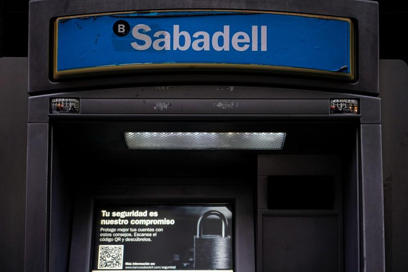 Sabadell eyes more job cuts, alliances after BBVA deal collapses https://t.co/uEjZJThyHB https://t.co/Y2JId8ioRD
