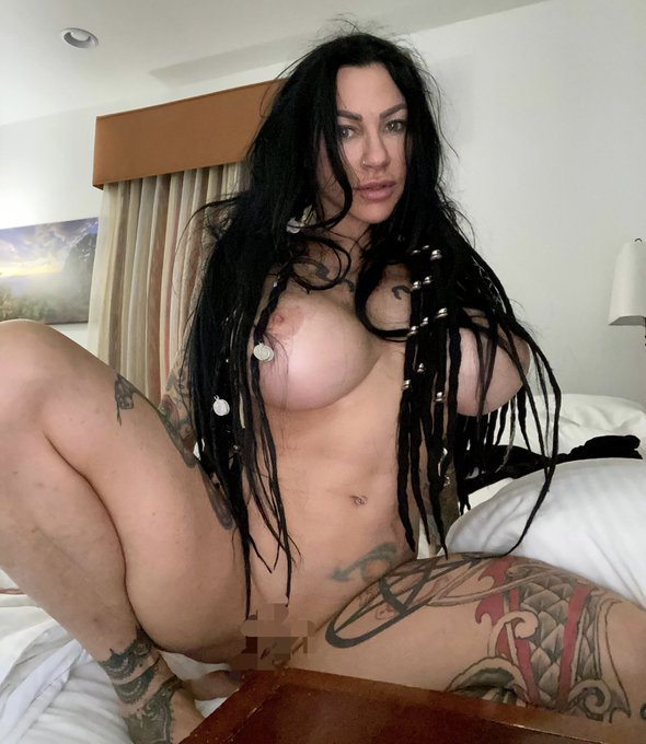 2 pic. Goooood morning sexy sunshines. Please go vote for me daily and love me up with $ https://t.co/V8NMhC4RLM Love