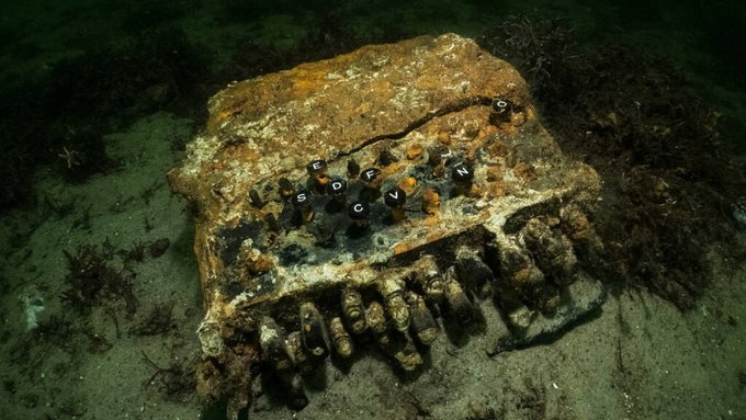 German Enigma machine found in the Baltic Sea EoZBpSWXYAAeqP-?format=jpg&name=small