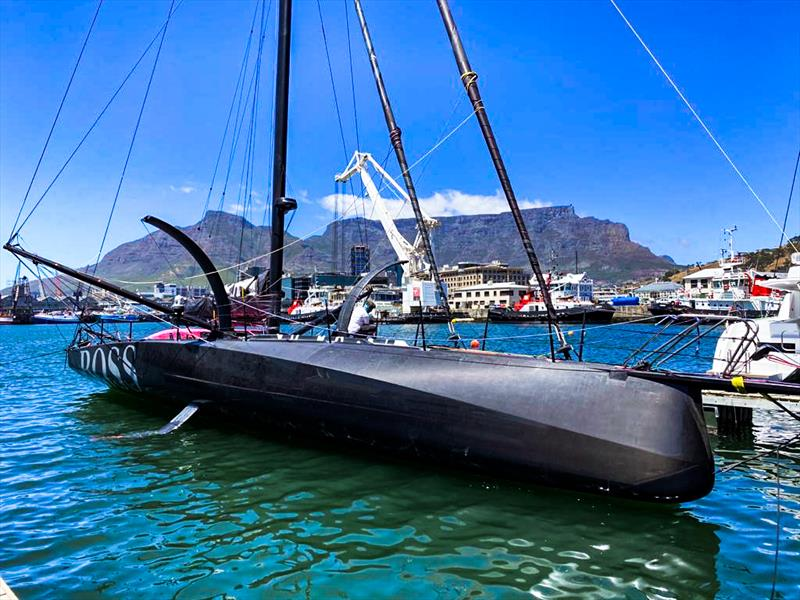 SailWorldNews: Britain's Alex Thomson arrives safely to Cape Town and formally retires from the Vendée Globe - @ATRacing99 #VG2020 @VendeeGlobeENG @VendeeGlobe https://t.co/TwIckvPW6v https://t.co/qjORMX8Okj