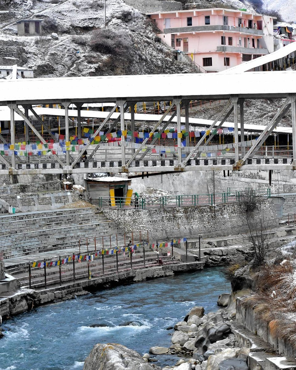 View of #Alaknanda from #Badrinath Dham.  #uttarakhandheaven https://t.co/rvsE3rBKmK