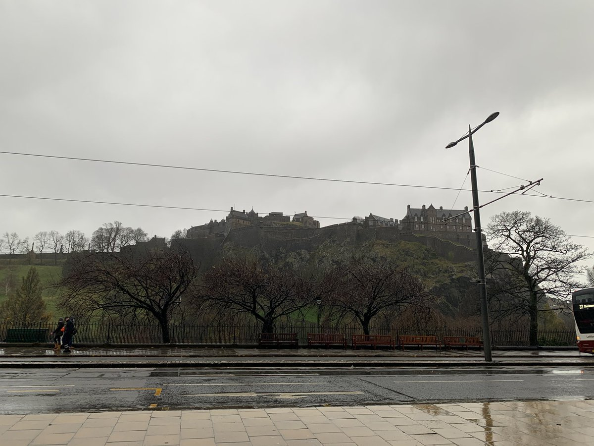 If someone shows you Scotland/Edinburgh with sun and clear blue skies; they're lying  This is the REAL Edinburgh here. Cloudy and raining like nobodies business 😂😂 https://t.co/xKzpuWlERB