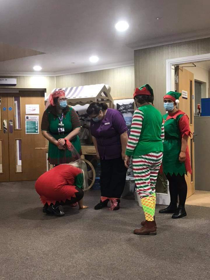 What on earth are these naughty Elves up to today! Not sure how helpful they're being...although the residents here @Nelson_Lodge are loving the antics of Dress as an Elf Day ⛄️🎅🏼🧑🏽‍🎄🤶🏻🎄 #naughtyelf #alzheimerssociety #elfday2020 #FridayFeeling