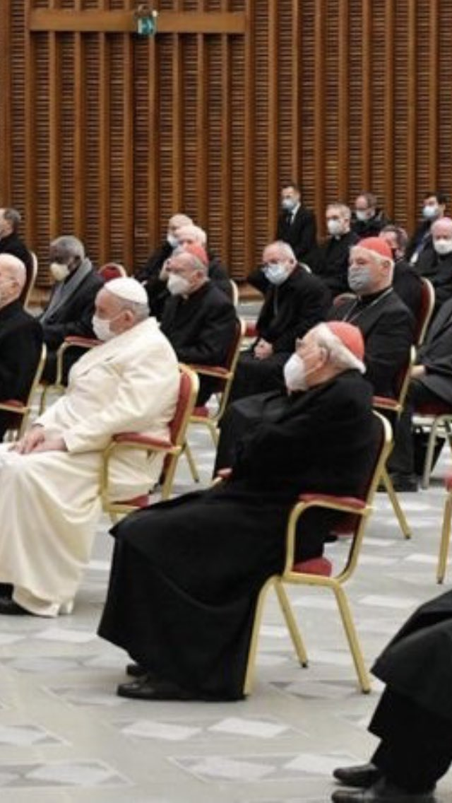@NicholasSawick1 @joshjmac Although this angle provides a more complex picture. Also in cassock are Parolin, Mueller, and (I think) Re. https://t.co/zFhUM768Cu