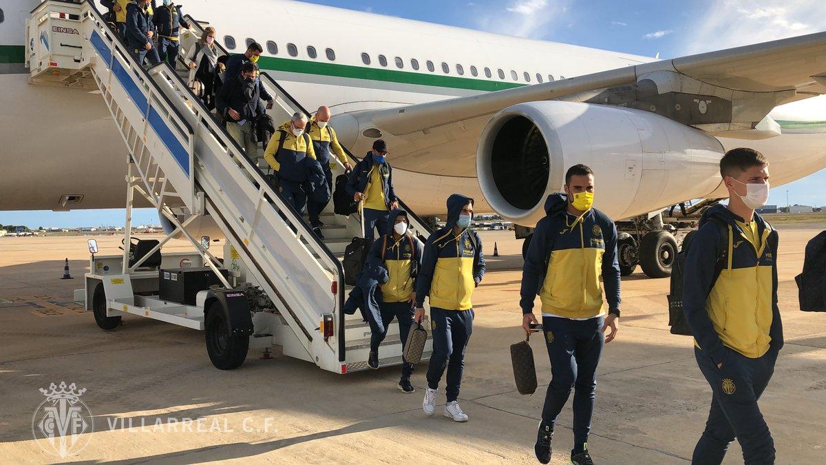 #UEL | El #Villarreal acaba de aterrizar al Aeropuerto de Valencia 🛬👍.   El próximo entrenamiento será mañana a las 17.00 horas.
