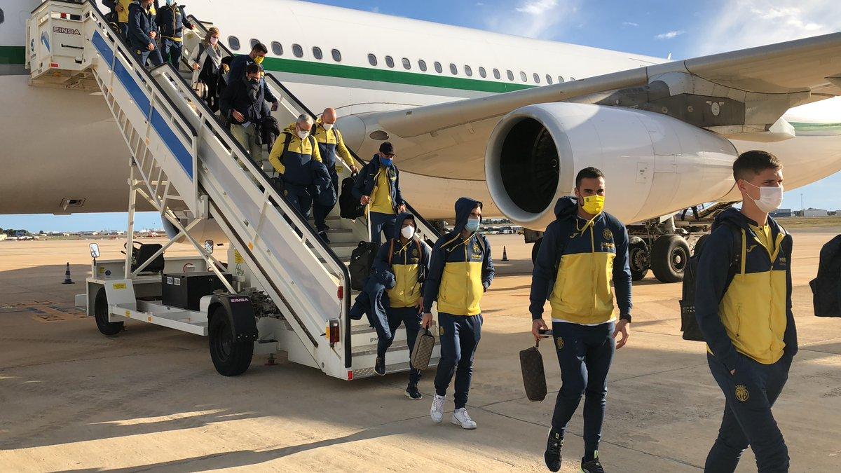 #VillarrealTV | ¡Ya estamos en España 🇪🇸! Así ha aterrizado el #Villarreal a su llegada al Aeropuerto de Valencia.   #UEL