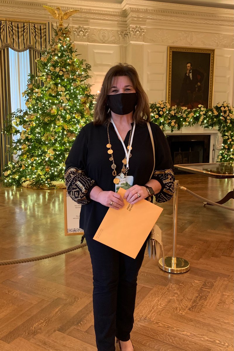 What an amazing day, and I get to volunteer all over again tomorrow! I met some amazing folks, including a Gold Star mom, many veteran's and folks from all over the world, I'm feeling so #blessed. #whchristmas @FLOTUS
