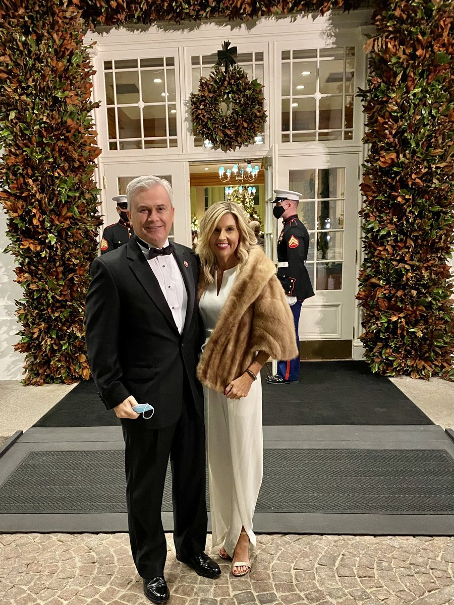 Merry fcking Christmas  Save the USA #SaveTheUSA   White House Christmas Party ————————————  Food lines   Really this is America