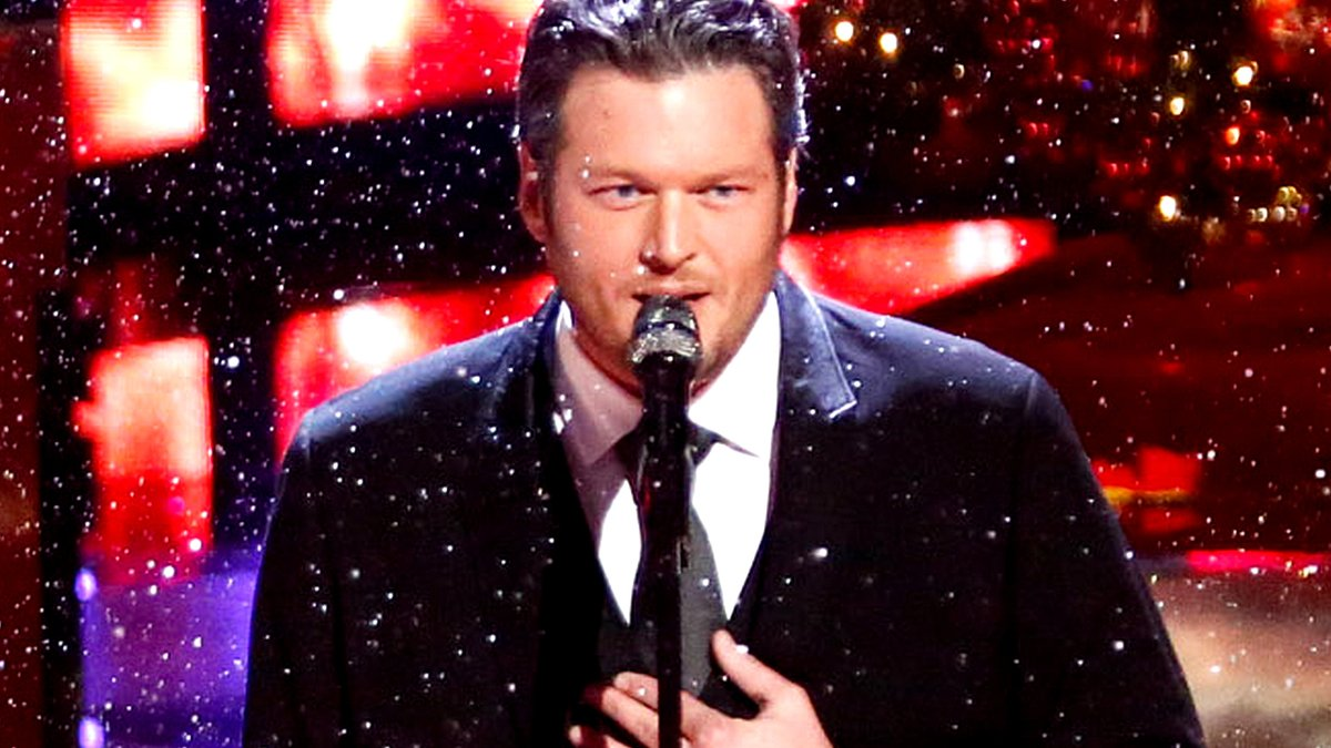 #TeamBlake's rendition of White Christmas is so special. ❄️