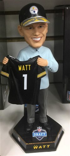 With TJ Watt winning AFC DPOTM this morning, i'm giving away this TJ Watt Bobblehead: Draft Edition.   To enter: - Follow @TheSteelZone - RT & Like this tweet  - Tag 2 or more friends   I will randomly select a winner once this post hits 100 RETWEETS.   GOOD LUCK!  🏈🟨 @_TJWatt