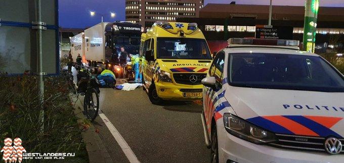 Fietser gewond na ongeluk met vrachtwagen https://t.co/p0L5JFvfEC https://t.co/BwVV9RdgDs