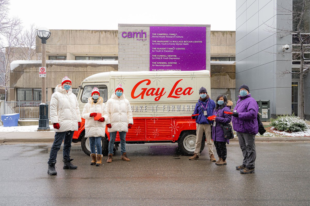 It's #NationalCookieDay and @GayLeaFoodsCoop is giving back with is #BakeItForward campaign, which will hand out 1,400 baking kits to folks in the GTA including frontline workers who continue to be at the forefront of the COVID-19 pandemic #OntFarmerNews #AgTwitter #BakingLove