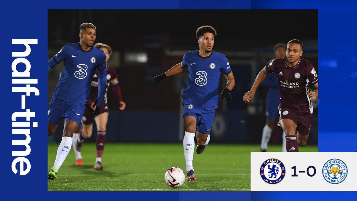 Advantage Chelsea at the break 👍  #CFCDev https://t.co/kB3jiObQqT