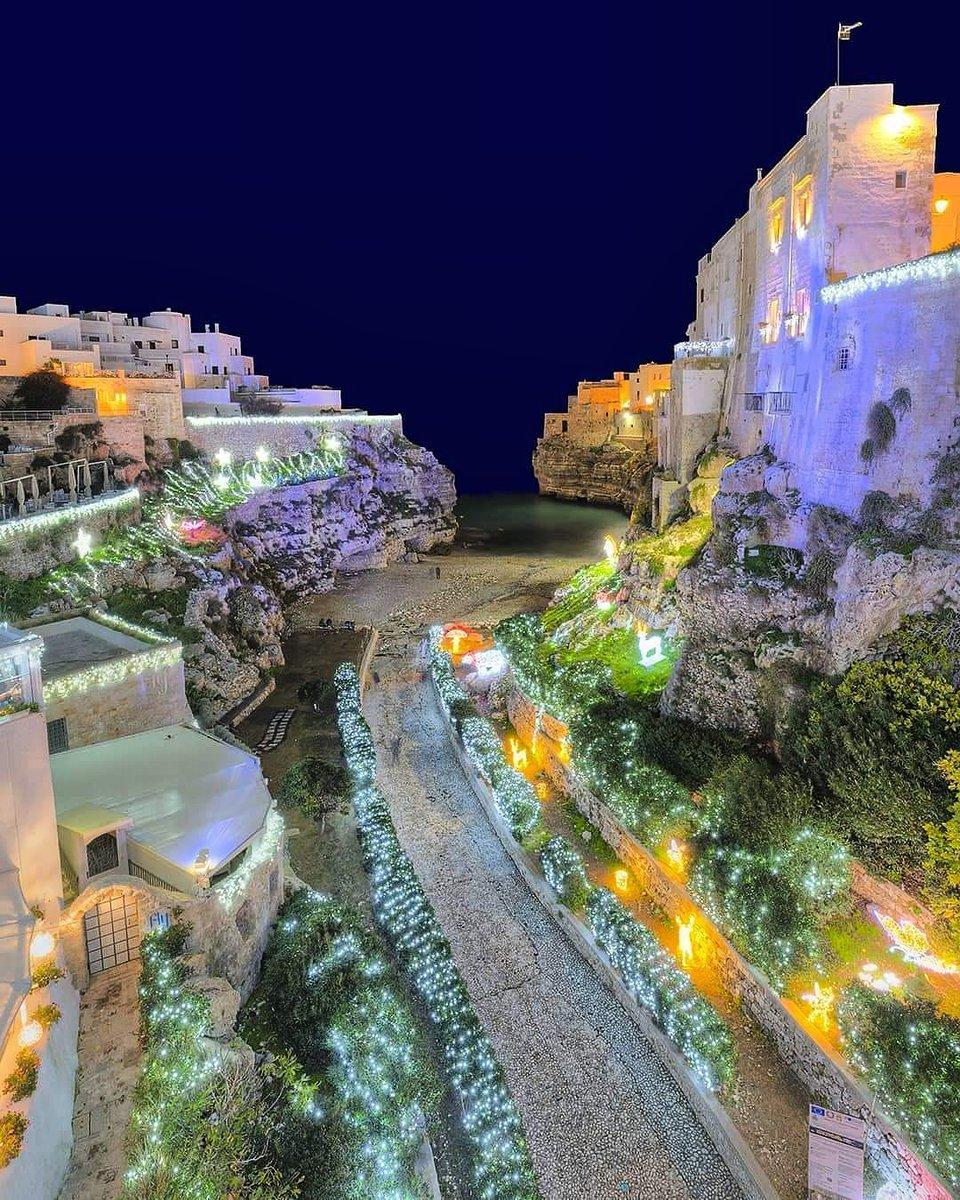 🇮🇹 Lama Monachile, Polignano a Mare, Bari, Puglia 📷 @pino.di.lecce  #lamamonachile #polignanoamare #bari #puglia #polignano  #beach #sea #city #colors #buonanotte #goodnight #night #notte #sweetdreams #awesome #instagood #photooftheday #travel #travelplace #travelphoto #ita #it https://t.co/q77Abgle5D