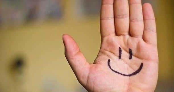 Remind yourself even if you need to write it on your hand...be happy! ~ #DTN #behappy #focus https://t.co/0IIBEmi521