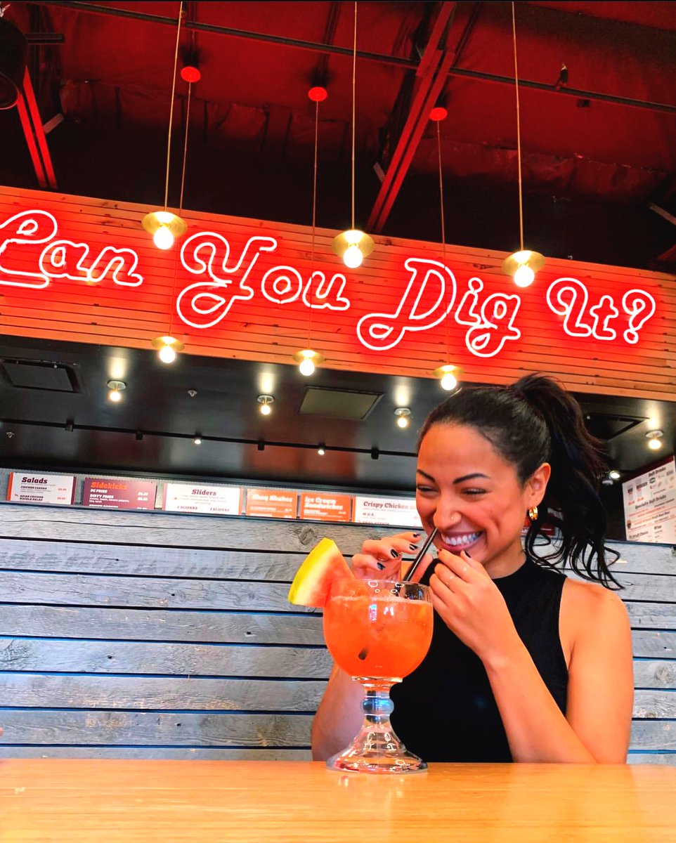 It's always cocktail time at our Las Vegas spot! 🙌🏻🐔🔥 #BigChickenShaq #WatermelonMargarita — 📷: @where.is.angela