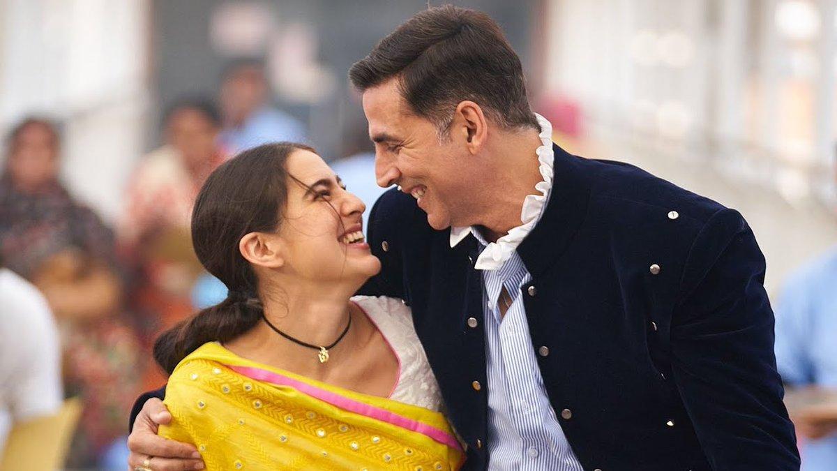 #AtrangiRe New Look | #AkshayKumar और #SaraAliKhan ने शुरू की फिल्म की शूटिंग, सेट से आया नया लुक सामने   @akshaykumar #Bollywood #BollywoodNews #Bollyspy  Watch Video -