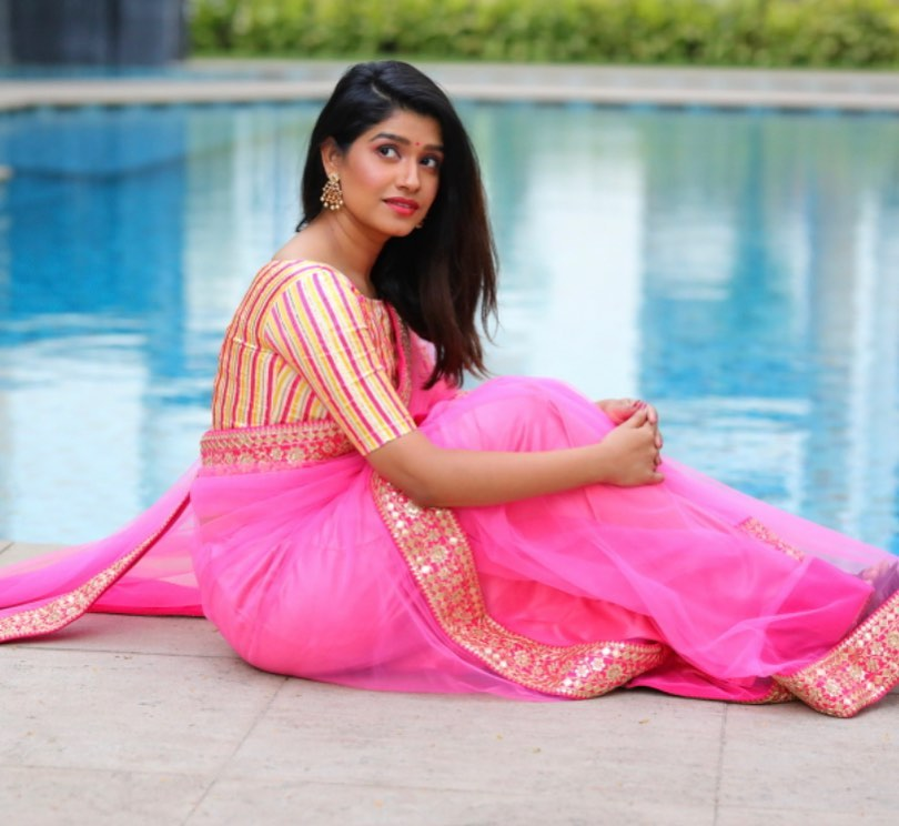 कशी दिसतेय रसिका सुनील साडी मध्ये..? 👌🔥💋  #rasikasunil @rasika123s #actress #marathiactress #marathi #beautiful #gorgeous #cute #marathiabhinetri #maharashtra_ig #marathi_ig #marathimulgi #marathigirls #marathistars #repost 6h https://t.co/fhtHD2nxh4