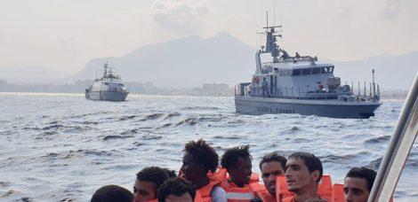 Traffico internazionale di migranti, 19 fermi in tutta Italia - https://t.co/nTpH6UDX4n #blogsicilianotizie