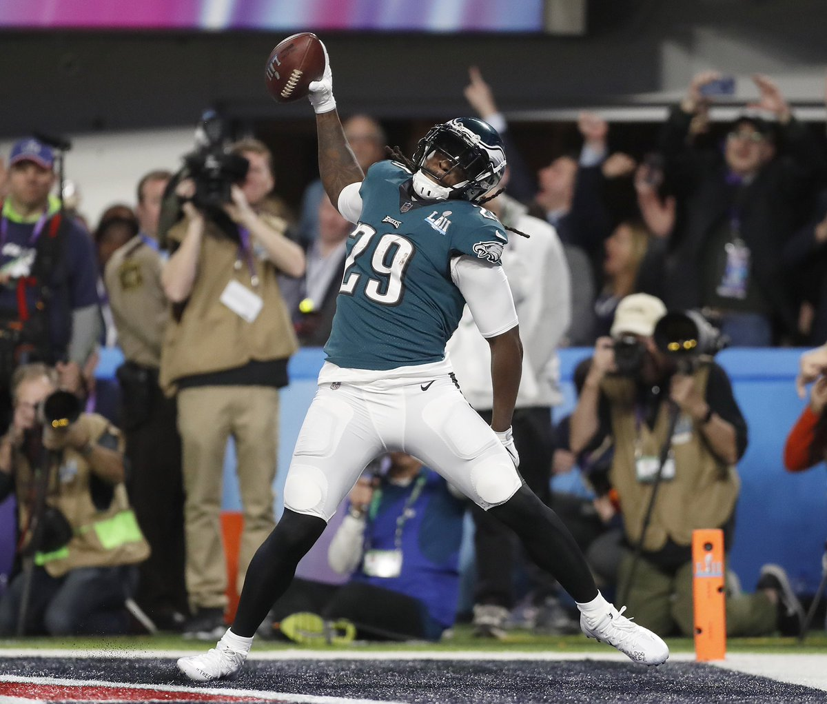 CONGRATS to LeGarrette Blount (@LG_Blount) on his retirement 👏  You'll always have a home in Philadelphia, LeGarettte!  In SB52, Blount led the #Eagles in rushing with 90YDS on 14CAR and 1TD. | #FlyEaglesFly