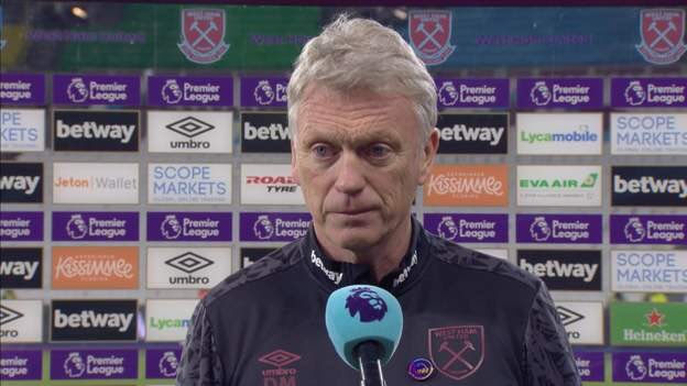 it is very satisfying for me to see him like this 😁  #WHUMUN #ManchesterUnited #MUFC #Moyes