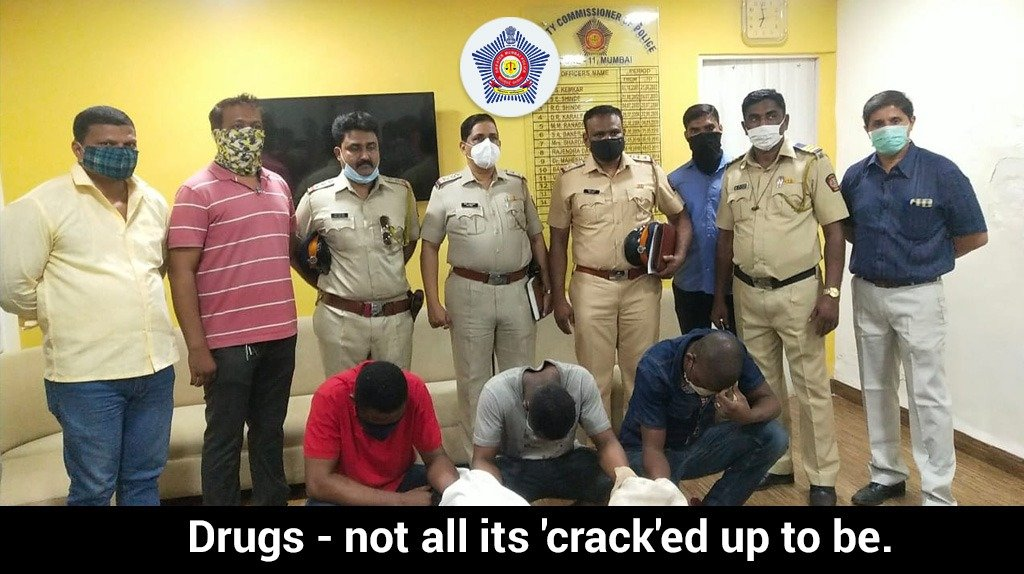 A trap was laid by a team from Mumbai Zone 11 basis a tip and caught a man with 10.14 gms of cocaine. Upon further enquiry, he gave up the names of 2 people. 106gms and 104gms worth  ₹22 lakhs were seized from them. All have been registered under the NDPS Act. #MumbaiCaseFiles