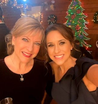 Thank you all for watching, guessing & tweeting TimeForUsTo #ComeHomeForChristmas!   Grateful to @hallmarkmovie @DirectedByDW @blakeshelton #Orly @jackieLind1 cast & crew & sweetheart @IamLaceyChabert we all love❣Merry Christmas #Hallmarkies! 🎄💖🎁