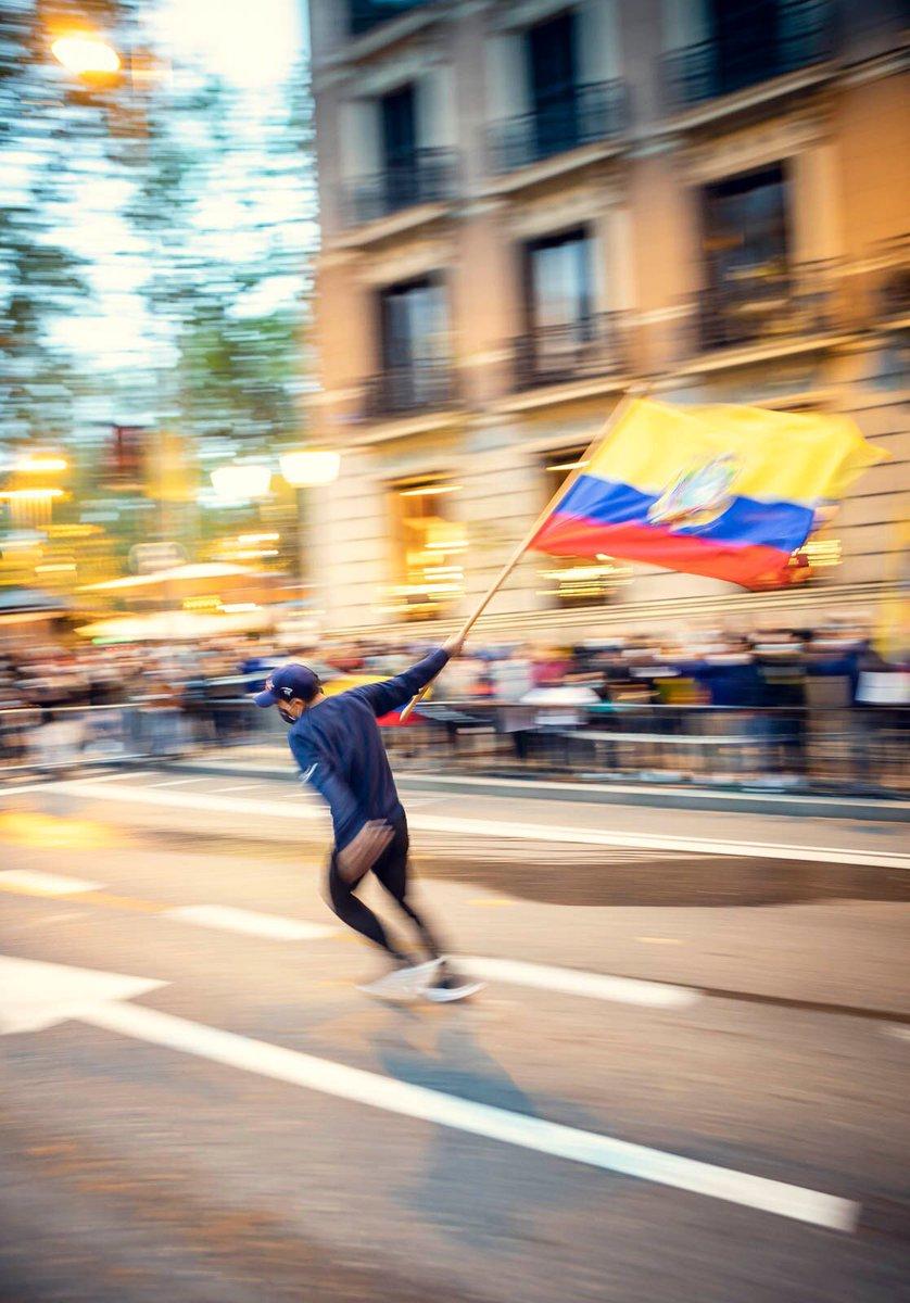 Mijines! Los sueños están para cumplirse 🤪🇪🇨 Recordando ese día tan especial en Madrid 😍 📸 @MikeyPDodd https://t.co/6uEfPctshz