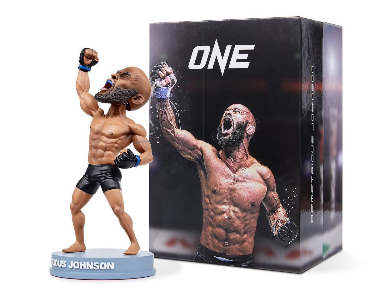 Honor to have @mmabobblehead create this iconic pose from my @onechampionship debut!!  Link in bio good luck limited run 😊  #mma #collector #BobbleHead https://t.co/NjVcQDZpLT
