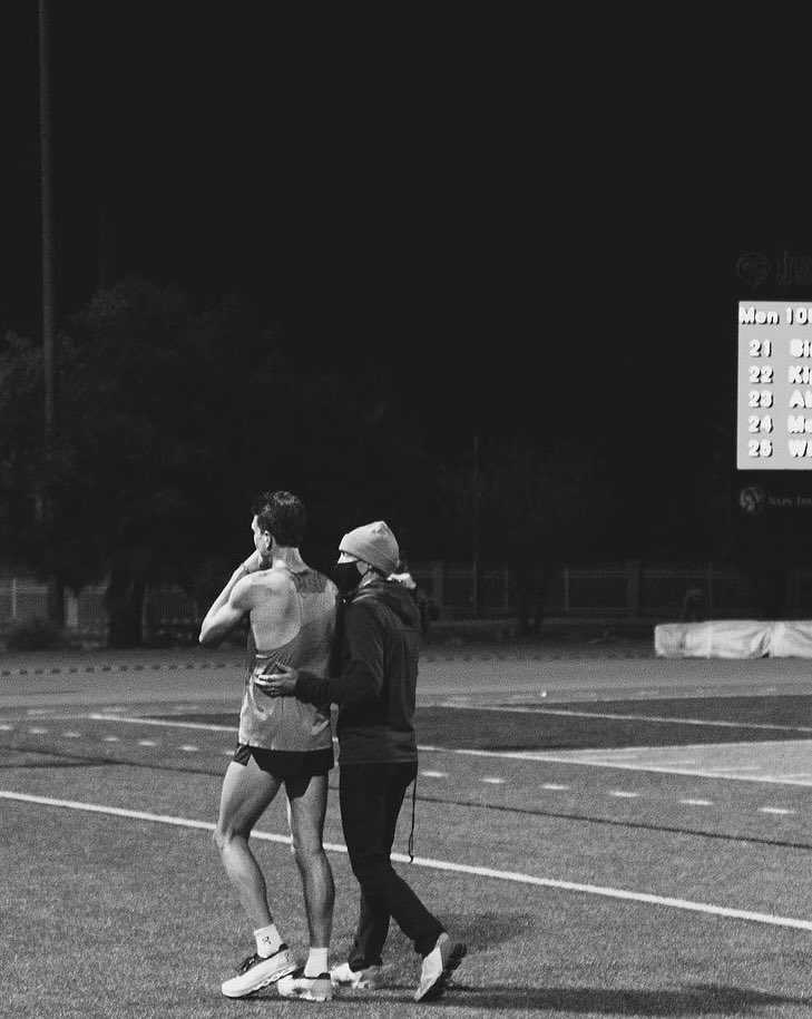 When you know they gave it everything they had, there's nothing else to do but say I'm proud of you. @JoeKleckerxc with fantastic debut 10k of 27:35 last night. His work ethic is unrivaled and inspiring! #OAC @on_running   📸:Joe Hale https://t.co/oZ6W3lrV7t