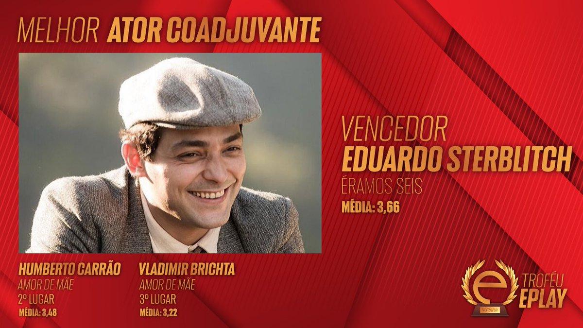 Eduardo Sterblitch, por seu papel em #ÉramosSeis, vence o #TrofeuEplay como melhor ator coadjuvante onde concorria com Humberto Carrão e Vladimir Britcha