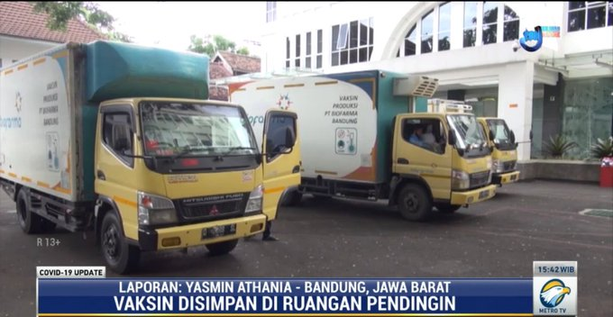 #covid19updatemetrotv Sebanyak 1,2 juta dosis vaksin Covid-19 dari Sinovac saat ini sudah berada di Kantor Pusat Bio Farma yang berlokasi di Kota Bandung, Jawa Barat. Vaksin tersebut ditempatkan di ruang pendingin dengan suhu 2-8 derajat celcius.