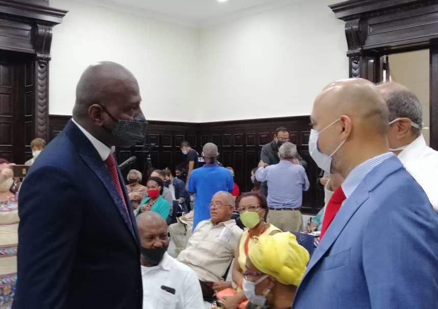 """حضر سفير #الإمارات لدى #كوبا #المؤتمر_الدولي_الرابع_عشر للدراسات #الكاريبية الذي عُقد في جامعة #هافانا تحت شعار """"الأزمة كفرصة للتحول"""". #UAE #Caribbean #Cuba  @MoFAICUAE"""