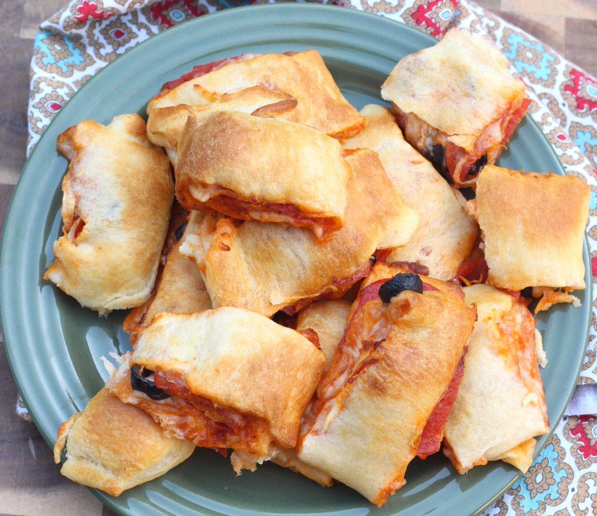 Air Fryer Pizza Rolls - Less Bread, More Filling in Each Bite!    #airfryer #pizzarolls #pizza #whatsfordinner #easydinnerrecipe #mondaymotivation