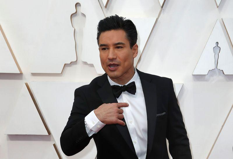 Mario Lopez to play KFC's Colonel Sanders in Lifetime romance movie https://t.co/RE2NTAooUm https://t.co/b6g6gbVn8a