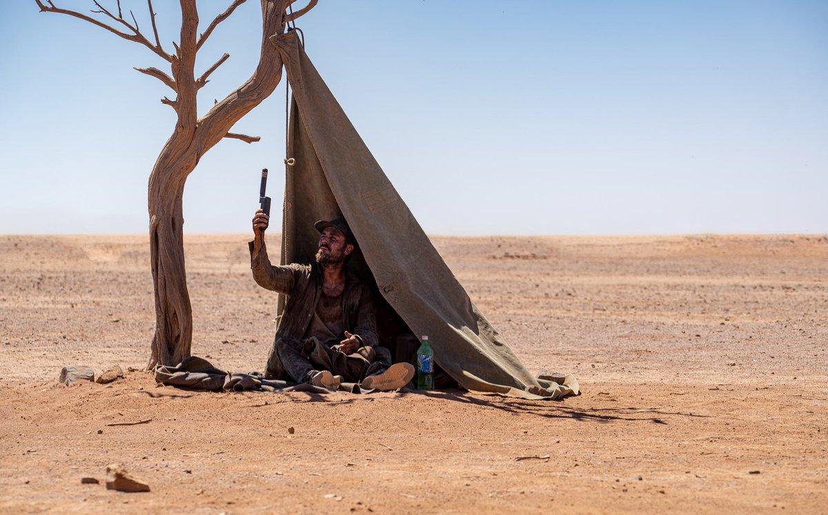 No signal out here in the desert…. #goldonstan #stanoriginals  #behindthescenes 📸 by Matt Nettheim @StanAustralia @MadmanFilms