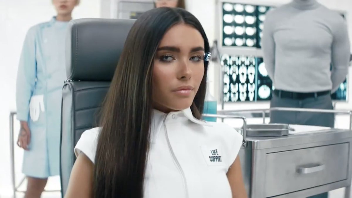 🚨 @MadisonBeer will release her debut album, #LifeSupport, on February 26th, 2021.  Lead single #BOYSHIT drops this Friday.