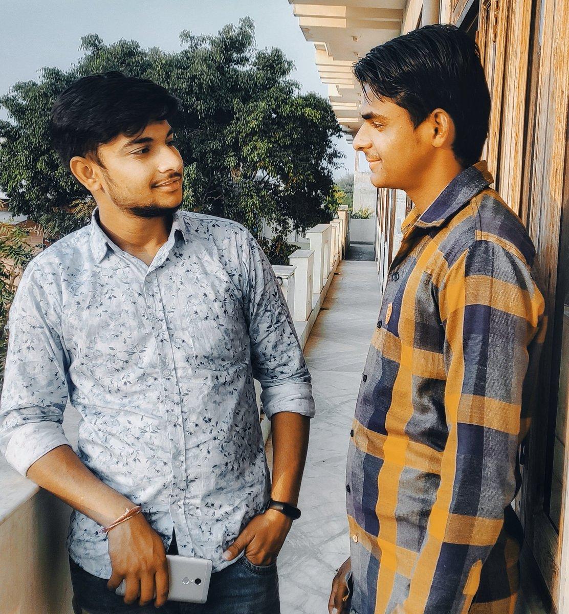 दोस्ती वह नही जो रोज बने  दोस्ती वह है जो एक बार बने  तो ताउम्र रहे। #हिंदी_शब्द #हिंदी #ह @Y9lbNSRkcYnEa8M