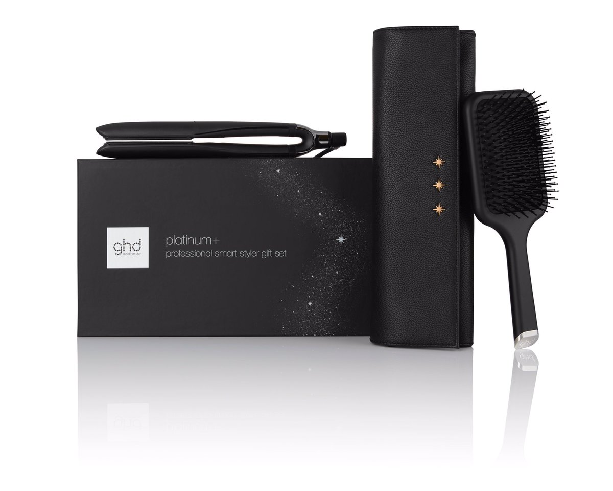 """Want to #win this amazing @ghdsouthafrica platinum+ giftset valued at R3400? Of course you do! Head on over to our Instagram page to enter. Follow this link:  or search for us using our handle """"@beautysouthafrica"""" and enter on our feed. #ghd #wishuponastar"""