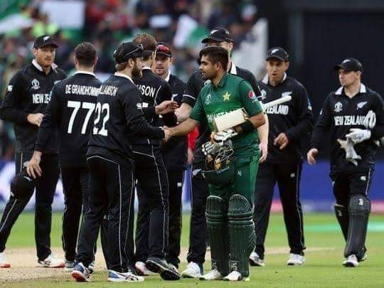 """Kane Williamson on Babar Azam """"He is a beautiful player to watch, his cover drive and his back-foot punches are just great,"""" .  #babarazam #PAKvNZ #NZvPAK"""