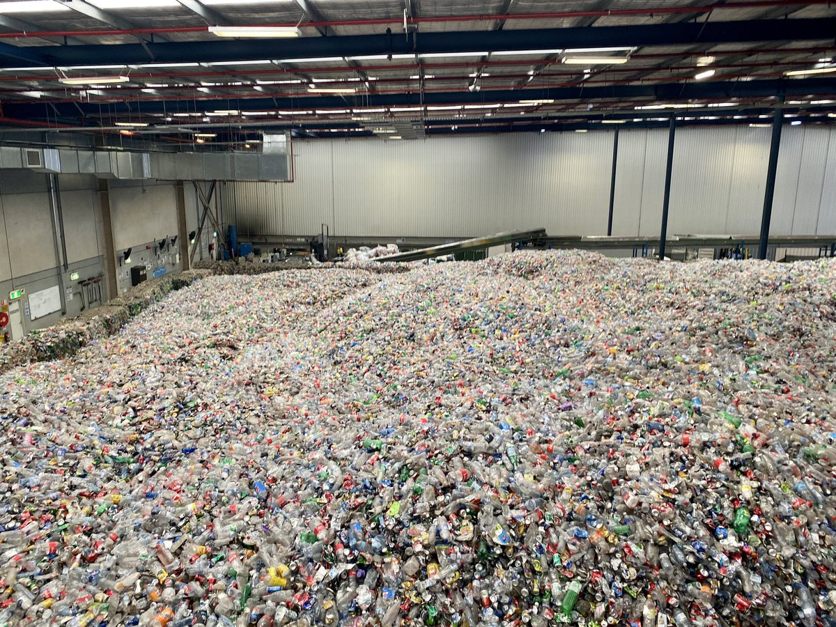 Today the @ScottMorrisonMP Government banned the export of waste overseas. fb.watch/2eSr3aFpZ_/